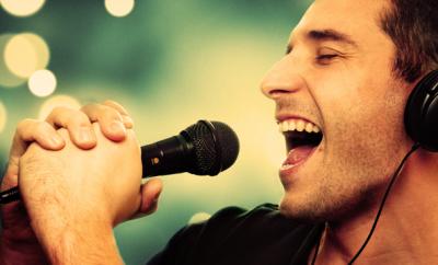 Razones que no te permiten dominar el canto en inglés